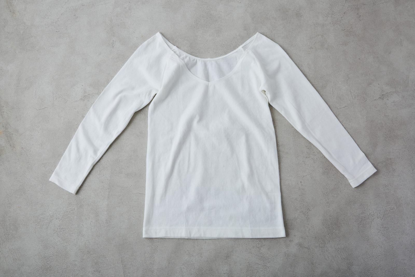 綿であったかVネック八分袖Tシャツ 婦人・オフ白