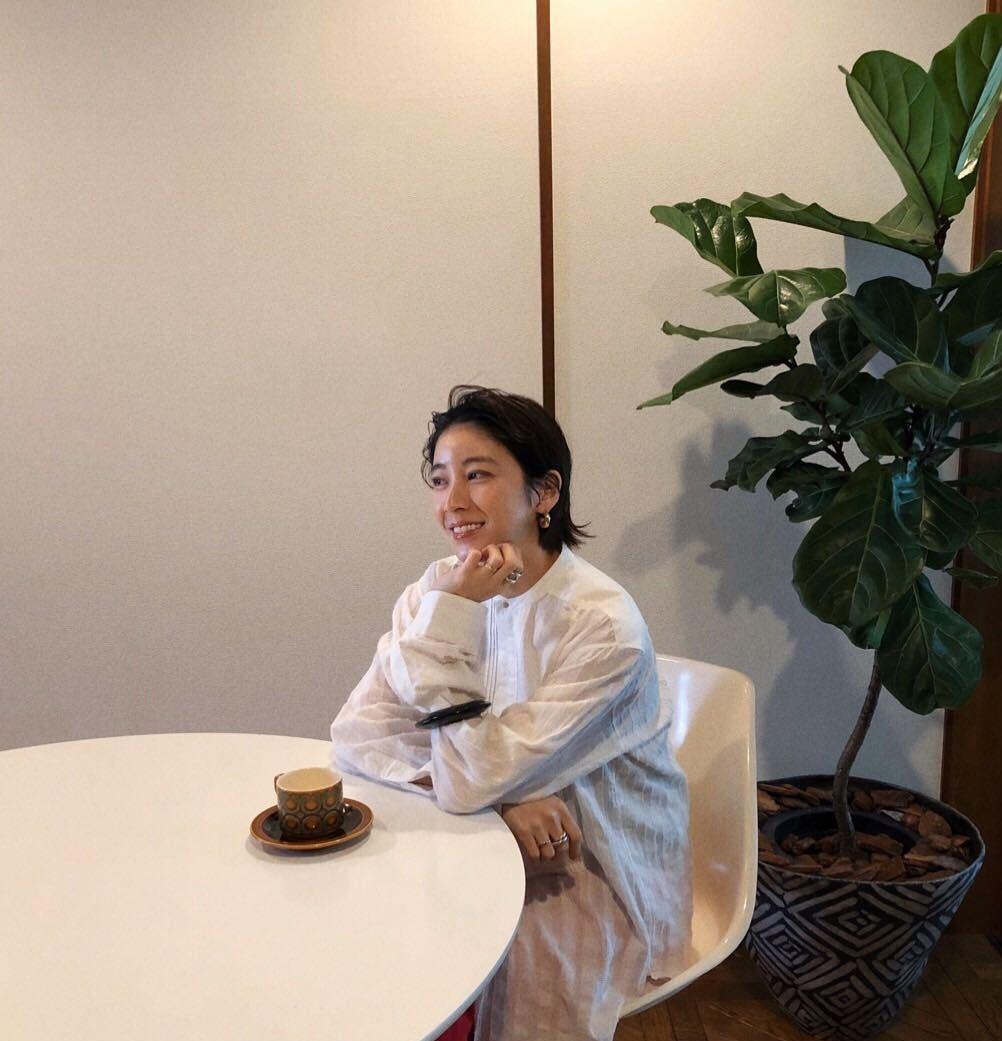 吉田怜香の着回しテクニック! 季節の変わり目ファッションを楽しむコツ