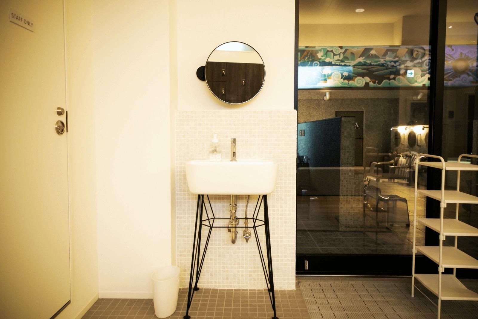 女湯の独立洗面台